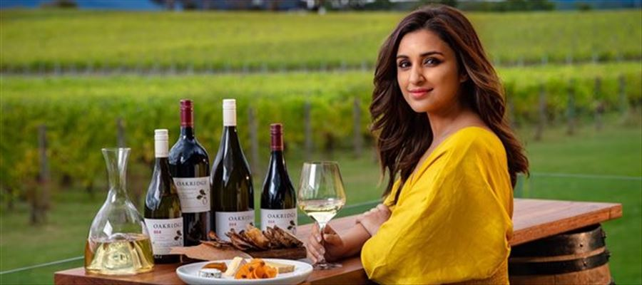 Parineeti Chopra Enjoying Her Vacation Trip To Australia