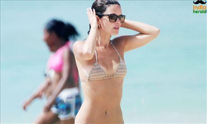Rachel Bilson Wearing a bikini and Enjoying in Yacht at Barbados Set 2