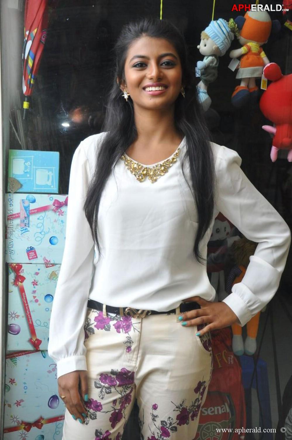 Rakshitha New Photos