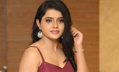 Sumaya Choco Stills
