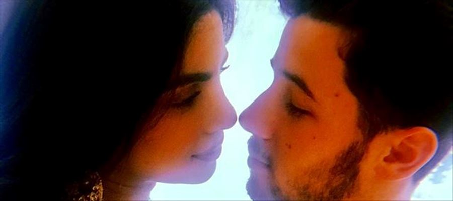 Awwdorable! Priyanka Chopra shares some lovely pictures from her roka ceremony with Nickjonas