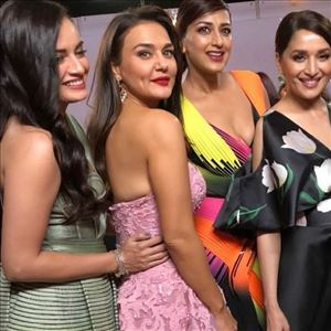 Celebs at 63rd Jio Filmfare Awards 2018 Photos
