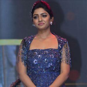 Eesha Rebba At Aravinda Sametha Pre Release Event Photos