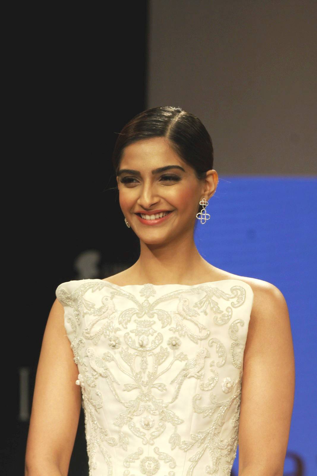 sonam kapoor ramp walk stills at iijw 2014