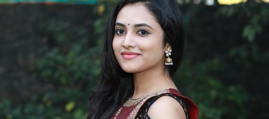 A Tamil Beauty for 'Natural Star'