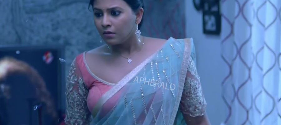 Anjali walks out as her Ex-Boyfriend is the Hero - She is replaced with this TELUGU BIGG BOSS Babe