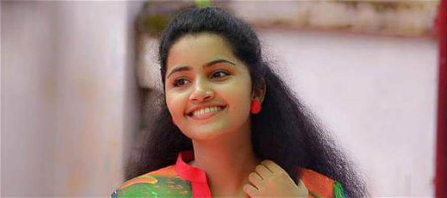 Anupama prefers negative shades