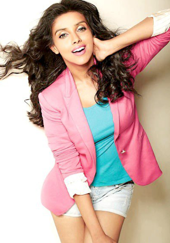 Asin's 'soap' therapy in Bollywood
