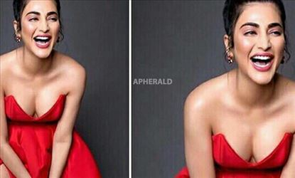 SHRUTI HAASAN STRIKES AGAIN with her BIG CLEAVAGE EXPOSURE - HOT EXPOSING PHOTOS INSIDE