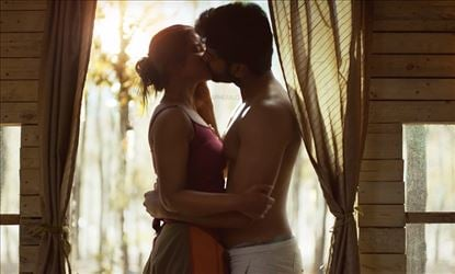 Atharvaa's lip-lock with Aish spices up the single