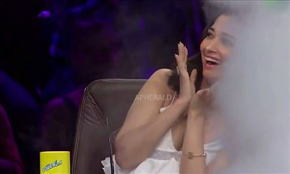Oops! Tamanna faces an Unexpected Oops! Embarrassing moment in a TV show - Photo Proof Inside