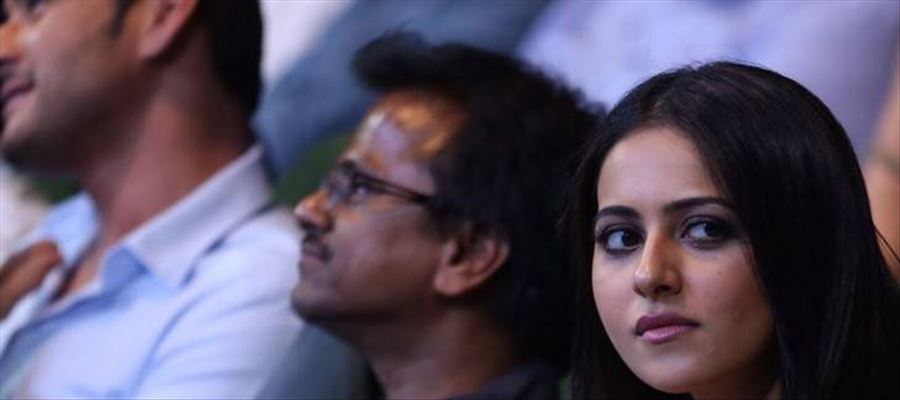 INSIDE STORY: Is it Really AR Murugadoss who penned the script of 'SPYDER' ?