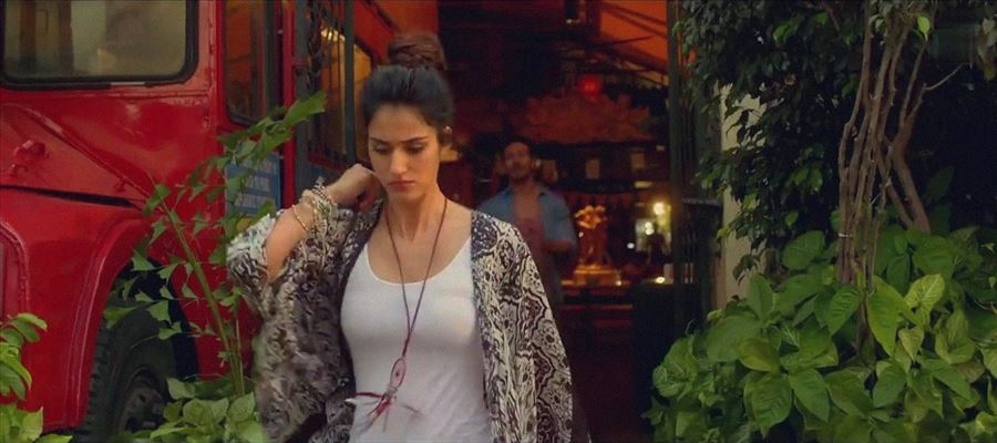 Only Disha Patani can wear such Hot dress in Public - Photos Proof Inside
