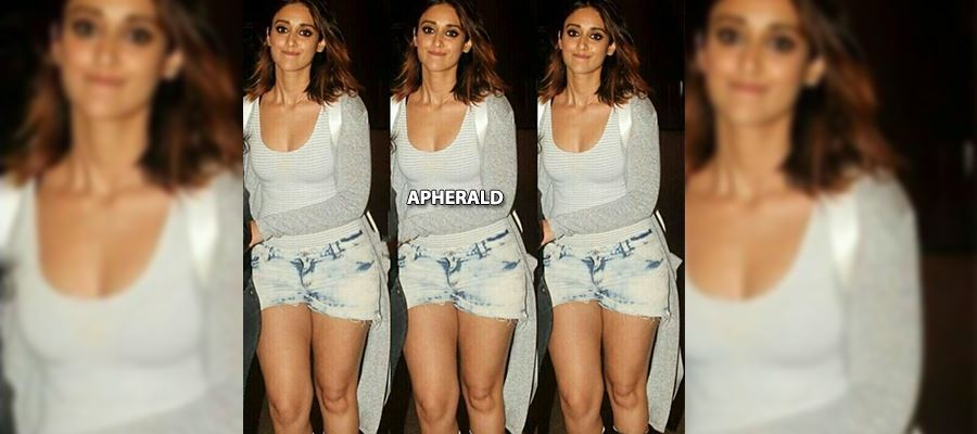 CAUGHT RED HANDED: OMG... Is this Ileana? The Slim Waist Beauty is now.... See these Photos yourself...