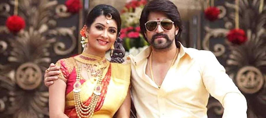 Who does Yash loves more Radhika Pandit or his Fans??