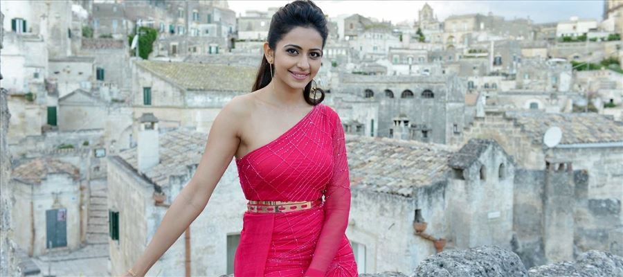 Rakul Preet Singh finishes another!