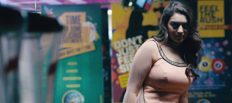 Hansika finds solace in Darkness