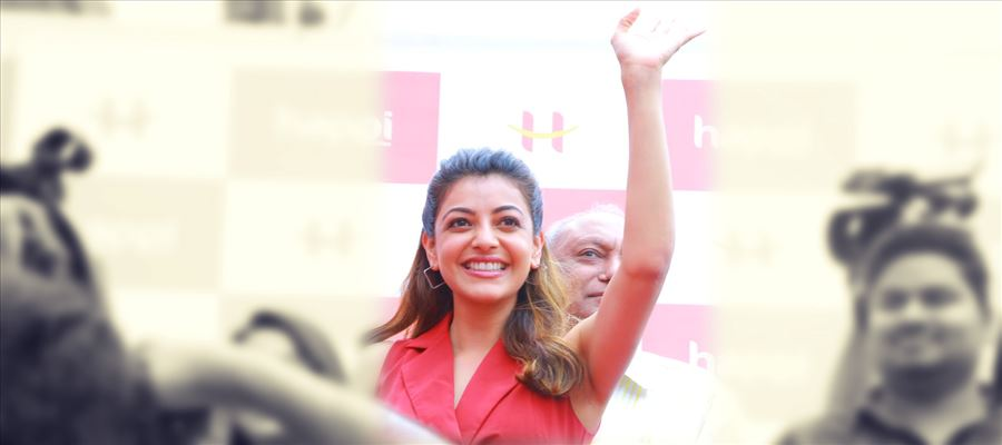 When Kajal Aggarwal raised her hands and waved it... Fans go berserk - View Photos!