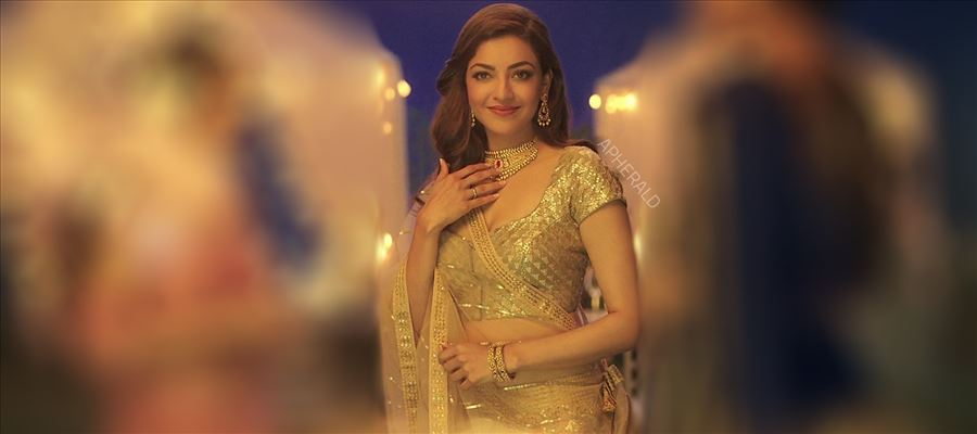 KAJAL AGGARWAL in Transparent Saree and Jewellery - 7 Photos Inside
