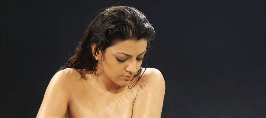 Holy Mother of God! Did KAJAL AGGARWAL went TOPLESS for REAL !?! See this Photo yourself