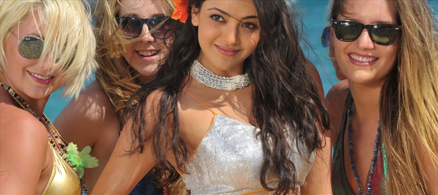 Kajal Aggarwal gets a Videshi Boyfriend... All set for Marriage this year end !?!
