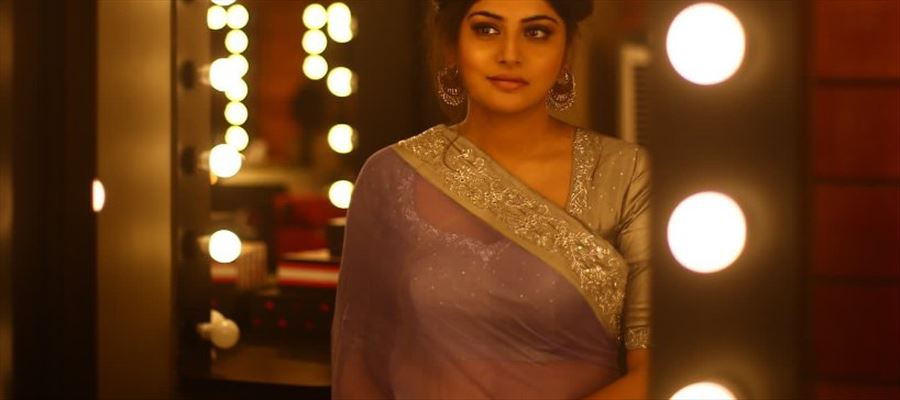 HIGH CLARITY PHOTO - MALLU BEAUTY MANJIMA in a TRANSPARENT SAREE inside her Vanity Van