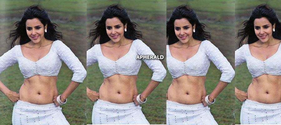 Priya Anand goes TOO HOT and SEXY during her Vacation - ALL HOT PHOTOS INSIDE