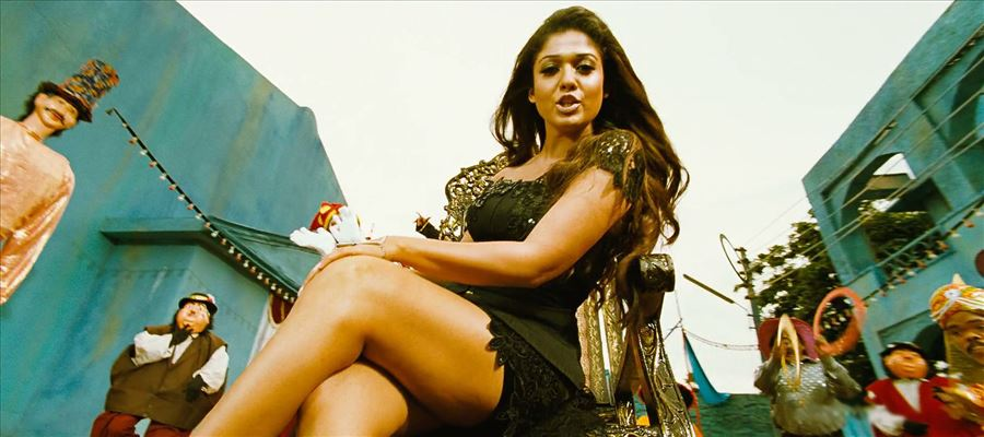 Nayantara's Single-Handed show - Don't miss it!