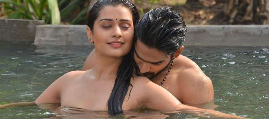 'RX100' gets 'Blockbuster' Tag - But... they are NOT IN GOOD TERMS with 'The Heroine'