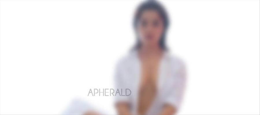 Young Actress SEMI-NUDE Photo from PHOTOSHOOT session goes VIRAL - CLEAR PHOTOS PROOF Inside...!!!