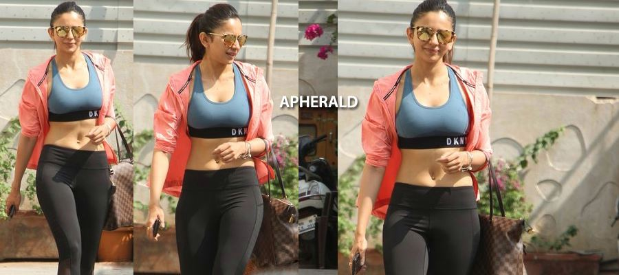 CAUGHT RED HANDED - Rakul EXPOSED showing her Hot Inner Assets in Public - Tempting Hot Photos Inside
