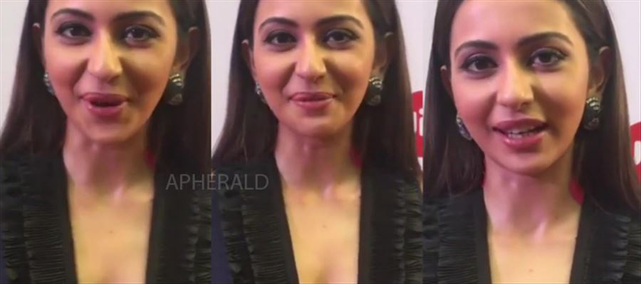Rakul strikes again with Hot exposure