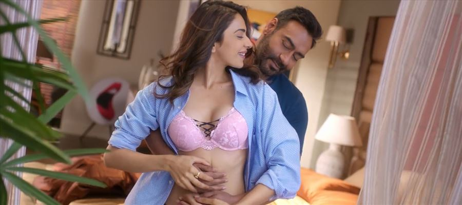 Another HOT VIDEO of RAKUL PREET goes VIRAL - WATCH VIDEO