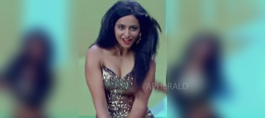 Rakul Preet picks One Best out of Two