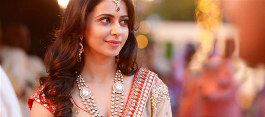 Rakul Preet to juggle between TWO CHOICES