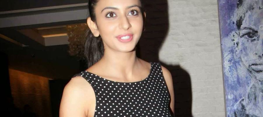 Rakul Preet to do an item number in RC12