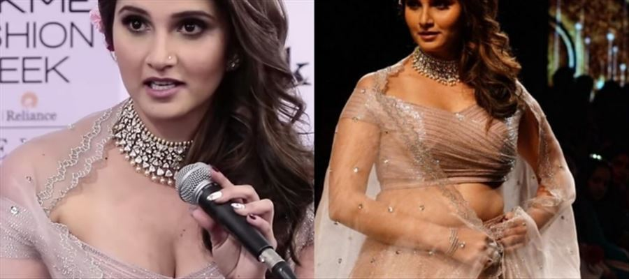 When Sania Mirza shows Ample cleavage and Hot Fleshy Waist before Cameras... 24 Hot Photos Inside