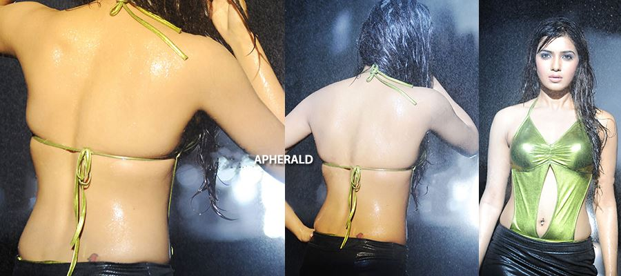 10 'Hot and Wet' Photos of Samantha to spice your day.