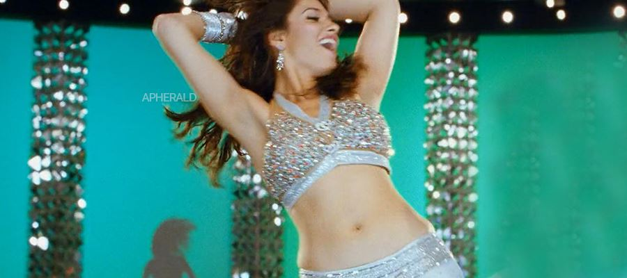 Tamanna gets back as an Item Dancer