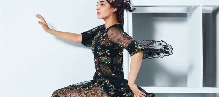 Shruti Haasan says Hello, in this Naughty photoshoot where she wears 'Transparent' Dress - 8 Photos for Your Eyes !!!
