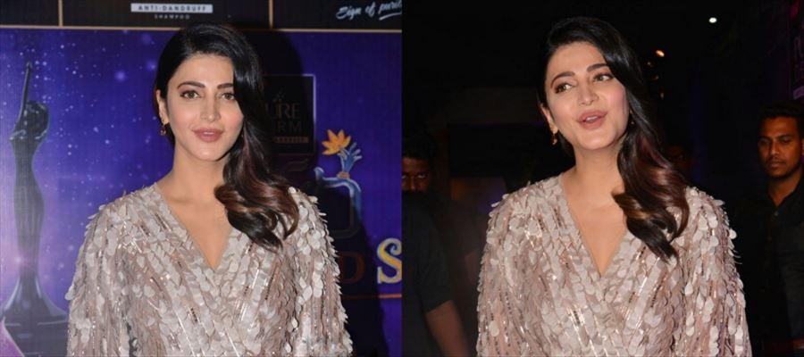 22 Photos of Shruti Haasan oozing 'Oomph' at a Public event