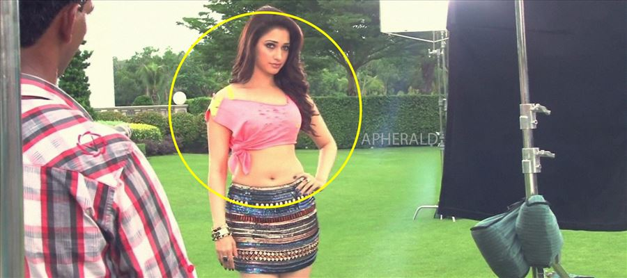 OMG... This is TAMANNA !! Check this Photo yourself