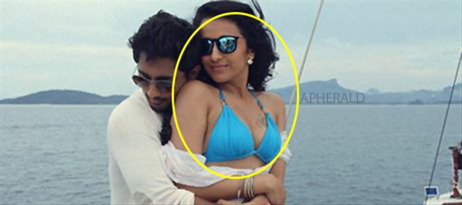 When Trisha was Hugged so tight by the Hero and she was just in a Bikini - Unseen Pics !!!