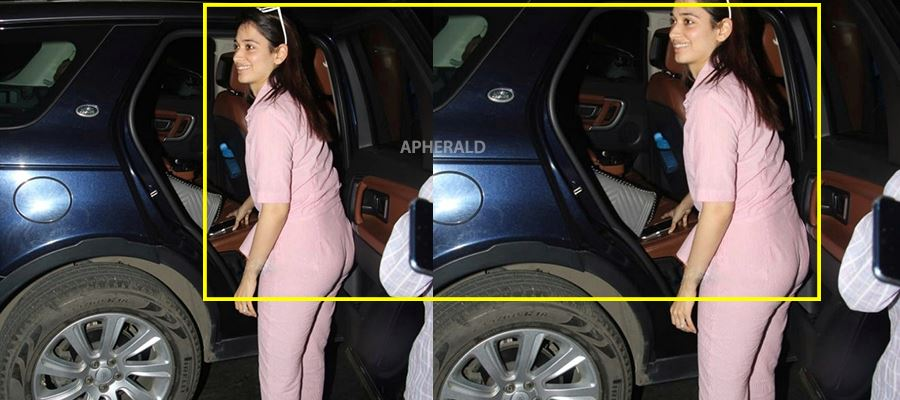 Oops! Tamanna exposed at Airport - PHOTOS INSIDE