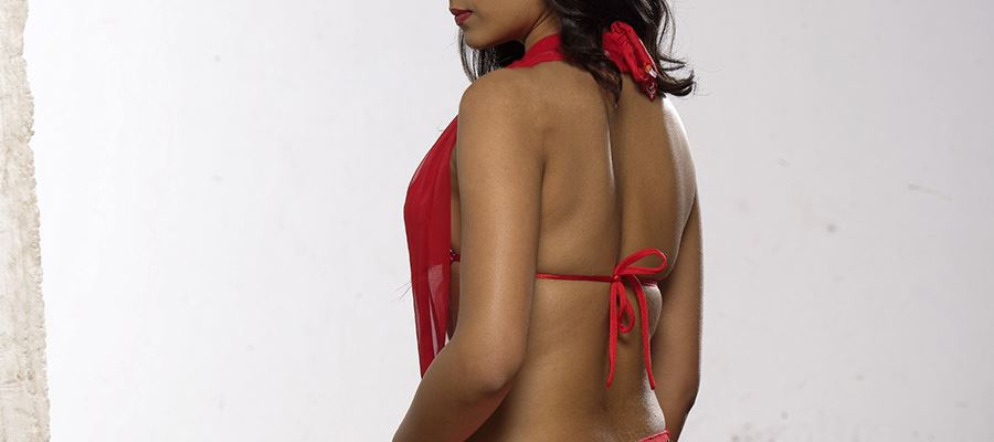 Throwback - 15 Very High Clarity Photos of Trisha in RED Brassiere