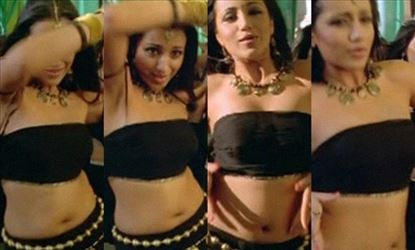 27 Sexy Photos of Trisha where she shows her Fleshy Belly, Deep Navel, and Hot Tempting Curves