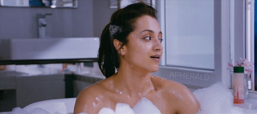24 Luscious Tempting Photos of Trisha showing her Thundering Thighs