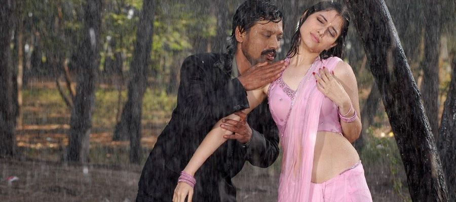 Director turned Actor now gets Tamanna !?!