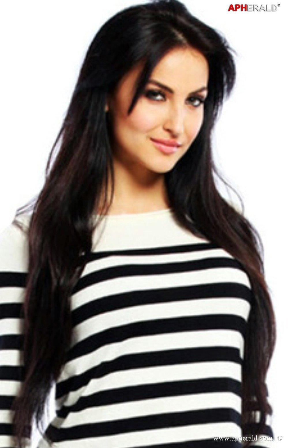 http://www.apherald.com/ImageStore/images/movies/movies_sizzlers/Elli-Avram-Hot-Pics1.jpg