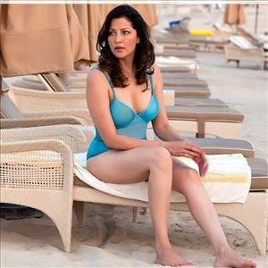 Aditi Govitrikar Latest Unseen Hot & Spicy Bikini Photo Stills
